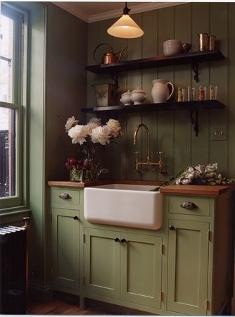 Pinned because the layout matches my kitchen but I'd prefer a light classic colour