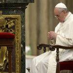Papa Francisco en el rezo del Ángelus: Ellos son nuestros compañeros de viaje en la búsqueda de Dios