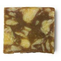 Lush - Sandstone  Zeep met frisse citroengeur en zand. Je huid voelt heerlijk fris na gebruik.