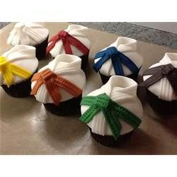 Black Belt In Cake Decorating Buns On Seats picture 30529