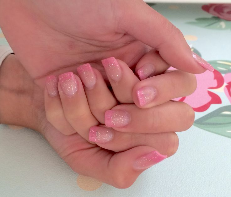 #Design #nails #acrilic #hand #gloss #beautyonthemove