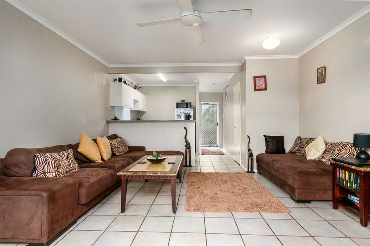 10/189 - 193 Buchan St. Bungalow 2 Bed 1 Bath 1 Car  http://www.belleproperty.com/buying/QLD/Cairns-and-District/Bungalow/Townhouse/56P4741-10-189-193-buchan--street-bungalow-qld-4870