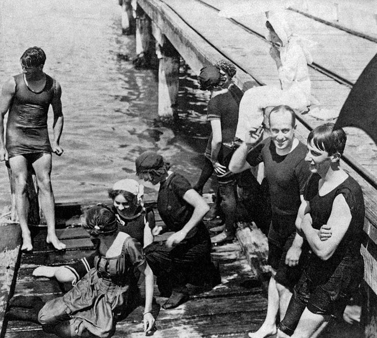 Swimming party at Portsea Pier, 1910.Victoria