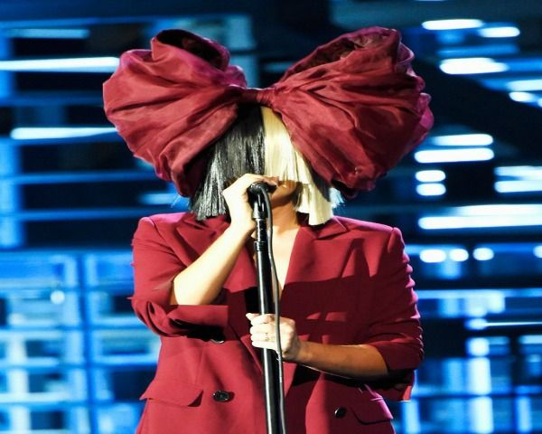 Sia Tour 2016: Here's Everything You Need To Know - Musical Guests, Dates & More! - http://www.morningledger.com/sia-tour-2016-heres-everything-you-need-to-know-musical-guests-dates-more/1372854/