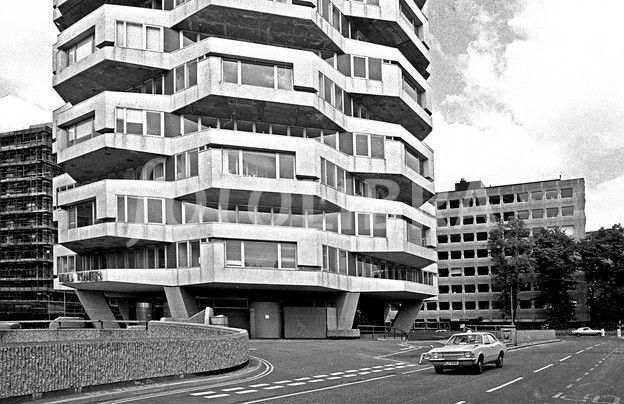NLA Tower at East Croydon 1977. (One of the first and distinctive new buildings in Croydon in the 1960s)