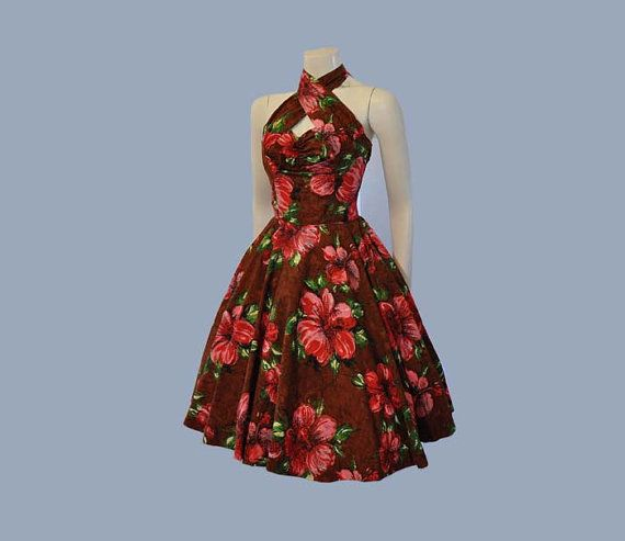 50s dress / Cross Ur Heart Halter Vintage 1950's Hawaiian Full Skirt Dress