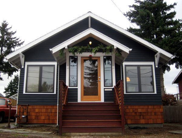 Navy house i love navy siding with white trim and wood - White house with blue trim ...