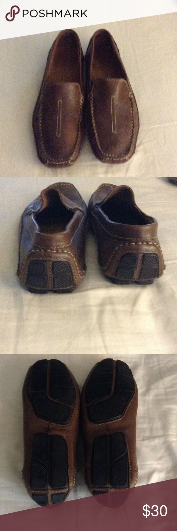 Men's Clarks size 10 Men's Clarks shoes in good condition.  Husband needed another size.  The are used.  Ask questions if you need to. Shoes Loafers & Slip-Ons