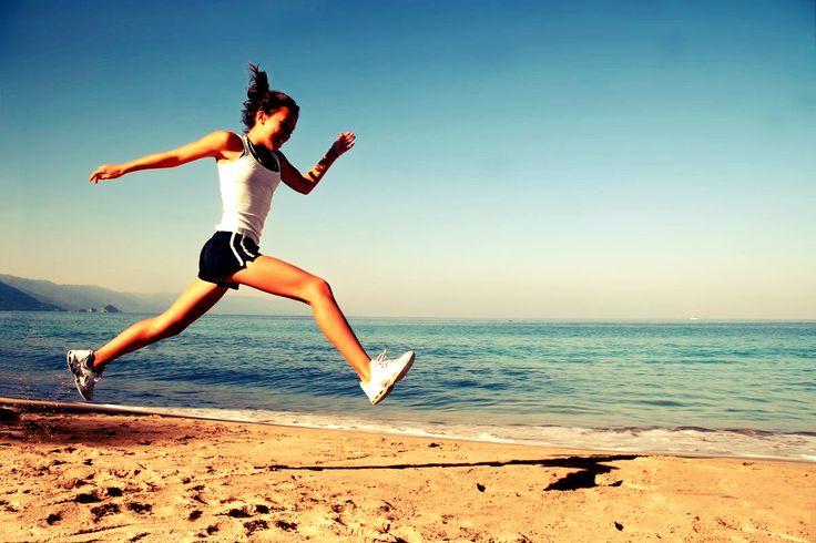 Disfruta del deporte al aire libre! Mantén el cuerpo y la mente en forma! http://www.qualimail.es/brazalete-deportivo-para-movil-negro.html