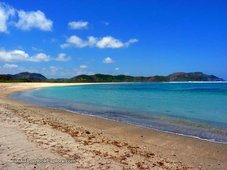 Pantai Lancing (Lancing beach), Central Lombok, Indonesia. For more information, please visit www.LombokExplore.com.