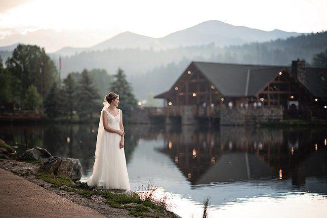Evergreen Lake House Wedding | Melissa and Austin | Denver Wedding Photographer » Elizabeth Ann Photography