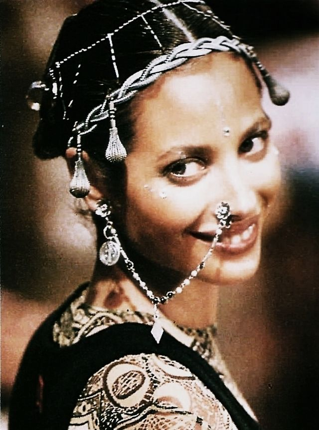@JeanPaulGaultier @ChristyTurlington #global #90s #pierced #runway #tribal