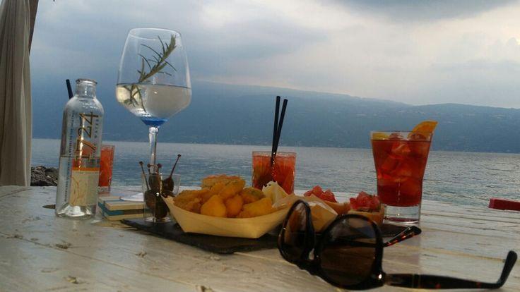 www.formulahs.com giallo limone, aperitivo in spiaggia sul lago di garda top http://www.formulahs.com/blog/