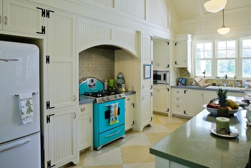 Love the cabinets and the retro stove!Dreams Kitchens, Kitchens Design, Pools House, Kitchens Ideas, Farmhouse Kitchens, San Francisco, Kitchens Cabinets, Eclectic Kitchens, Retro Kitchens