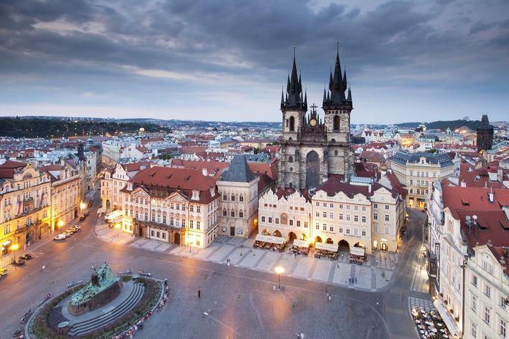 Praga rejs po Wełtawie - Biuro Turystyczne Szopen-Tour Kudowa Zdrój - Praga, Szczeliniec w Górach Stołowych, Adrspach Skalne Miasto, Jaskinie Morawskiego Krasu, Wiedeń, Zamek Książ i Palmiarnia, Kopalnia Złota