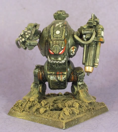 John blanche painted this old rogue trader era dreadnought for Decor 40k