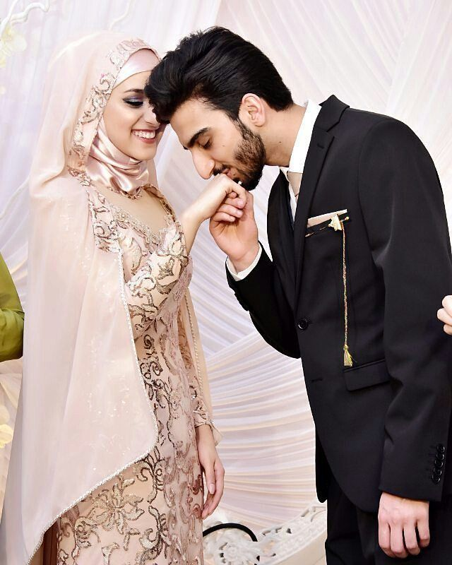 """5,366 Likes, 66 Comments - Muslim Wedding Ideas {106k} (@muslimweddingideas) on Instagram: """"Such a sweet moment and a stunning location  Congrats to the lovely couple  Captured beautifully…"""""""