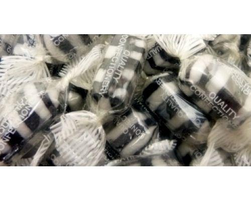 Everton Mints (Mint flavour boiled sweets.)..1970s...16