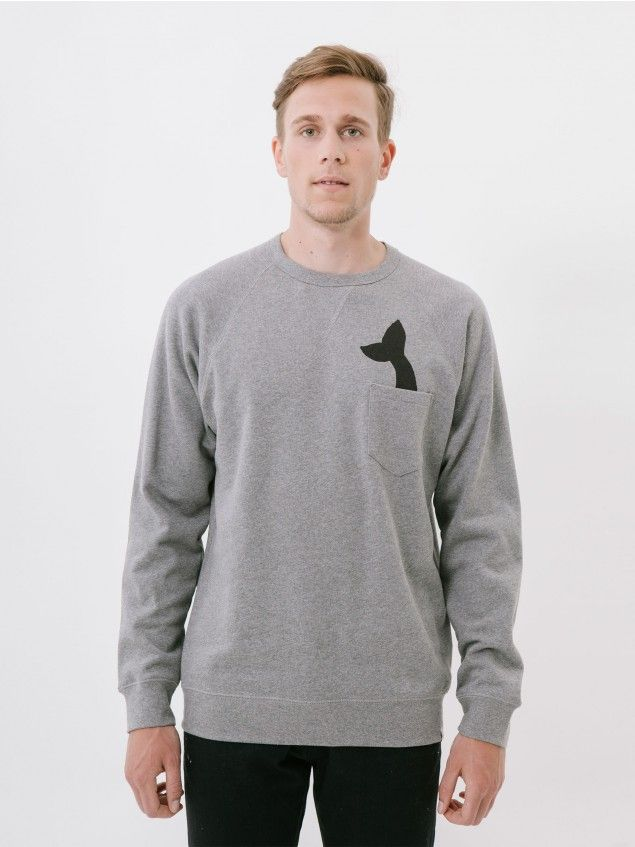Ranglan In the Pocket Grey Sweat // Marine references and imagery are a constant source of inspiration for our collections. This logo is a homage to the blue whale. Cotton fleece sweatshirt with crewneck, V-shaped ribbing detail, raglan sleeves, overlocked seams and napped interior making the garment softer and more comfortable when in contact with the skin. Regular fit.