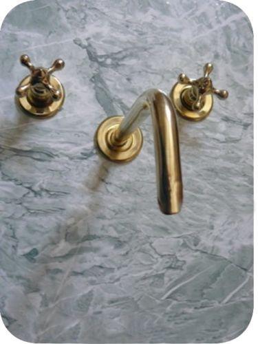 Les 25 meilleures id es concernant salle de bains de for Comment nettoyer le cuivre jaune