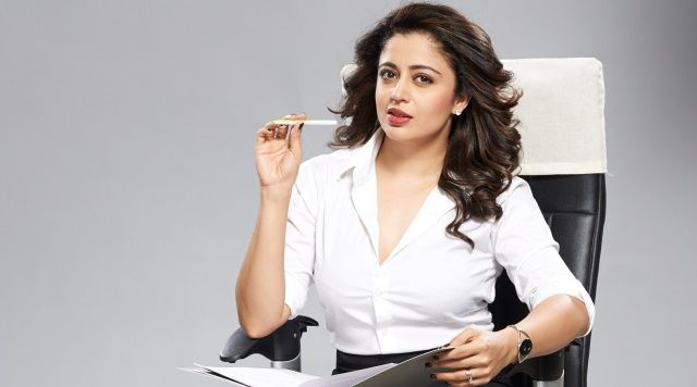 I don't promote dating apps: Neha Pendse , http://bostondesiconnection.com/dont-promote-dating-apps-neha-pendse/,  #dating #datingapps #Idon'tpromotedatingapps:NehhaPendse #mayicomeinmadam #neha #wasteoftime