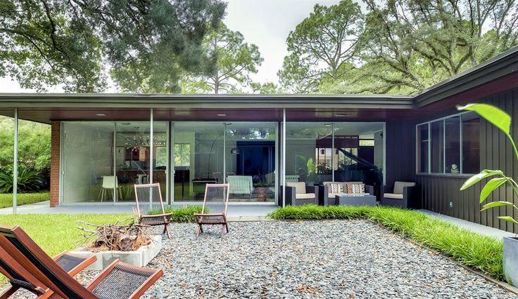 Modest mid century Savannah GA - http://www.interiordesign2014.com/interior-design-ideas/modest-mid-century-savannah-ga/