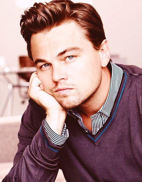 Leonardo DiCaprio. The older he gets the more attractive he is. He always looks so intelligent.❤