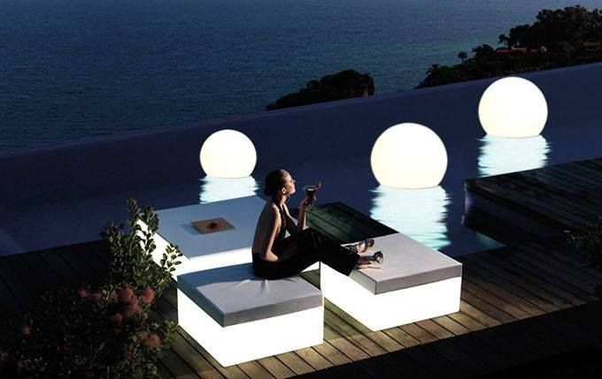design globo by slide lamps in the swimming pool. terraform.pl