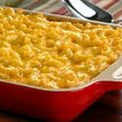 Carnation Evaporated Milk Macaroni and Cheese @keyingredient #cheese #cheddar #casserole