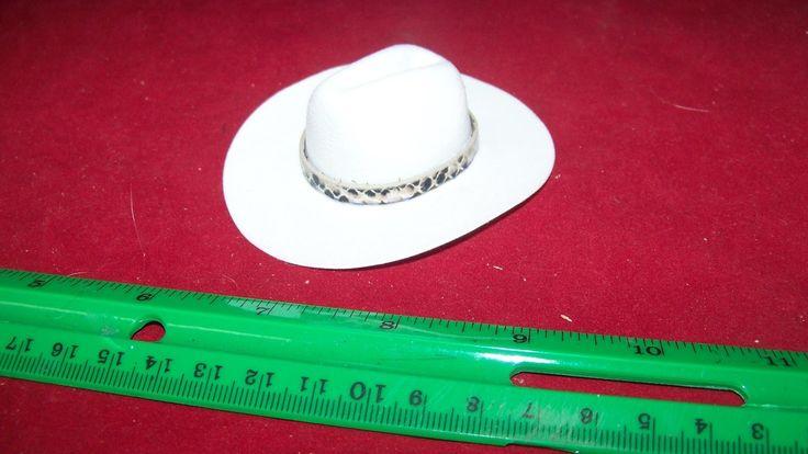 1:6th Scale White Cowboy Hat w/Snake Print Hat Band