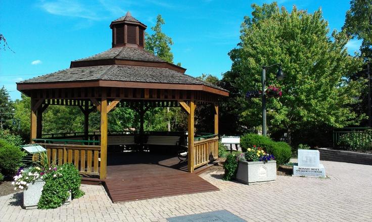 Downtown pavillion, Ingersoll, Ontario