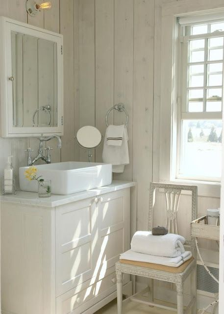 122 best florida 1940 39 s cottage style images on pinterest for Bathroom ideas 1940