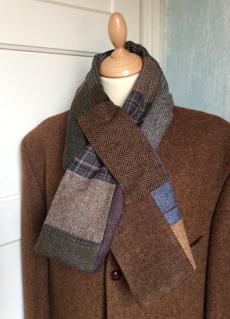 Lots of different tweed scarfs/scarves. Warm and comfortable. Check the webshop at www.bakerstreethandmade.com
