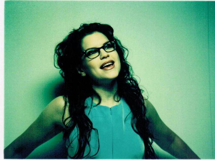 Lisa Loeb. Singer & Songwriter ❤💙💗💖💟💚💛💜