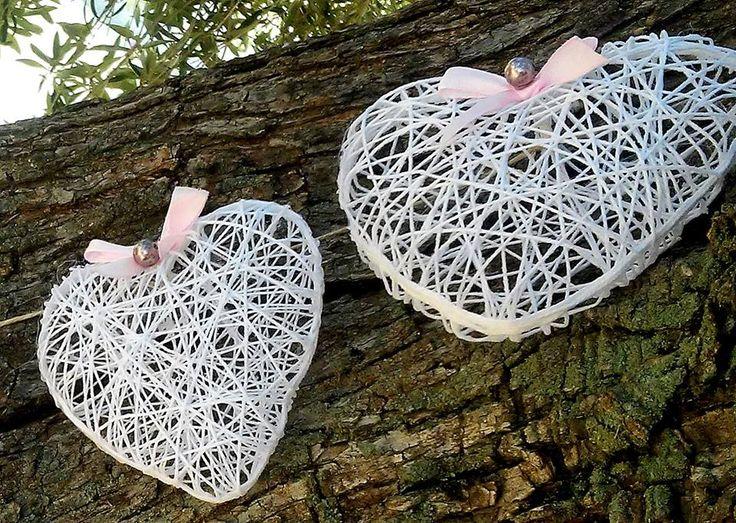 Guirlanda vintage de corazones 3d.