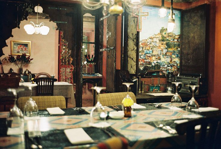 #bali #restaurant #balirestaurant #bar #balibar #lunch #dinner #vintage #antique #deco #lafavela #lafavelabali