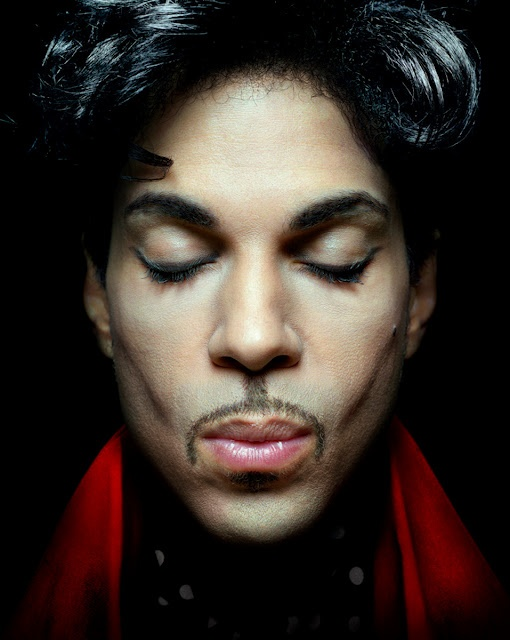 his royal bad assness... i have rarely obsessed over anything or anyone. this man's music is an exception.