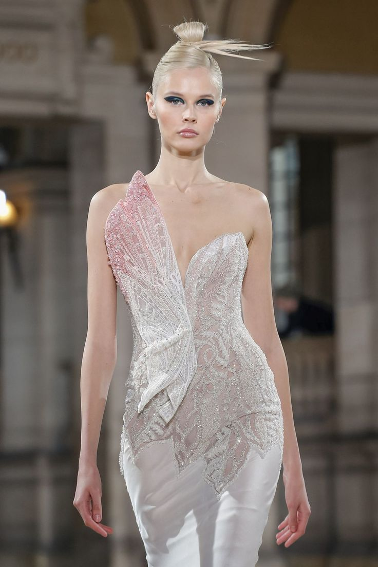 Tony Ward S/S 2019 Couture | Prom dress couture, Fashion, Couture