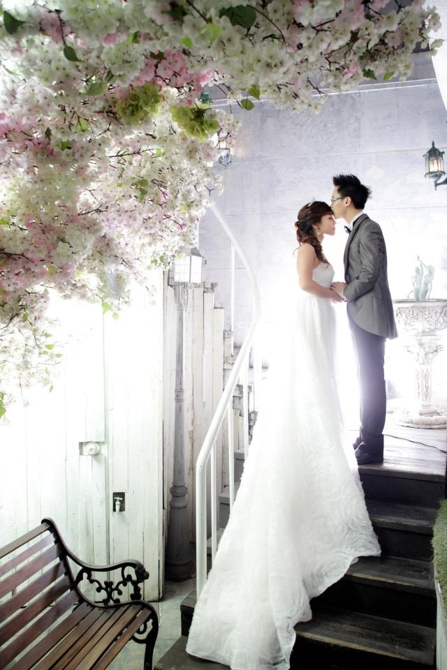 Fairytale pre-wedding photo of bubzbeauty <3
