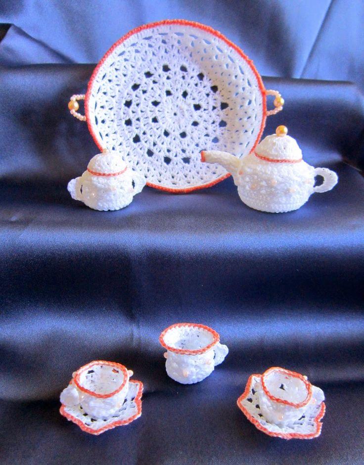 Piccoli Capricci: Tè ed Uncinetto: Vassoio e...servizio completato ;-)