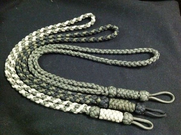 Make your own paracord lanyard - http://www.survivorninja.com/make-your-own-paracord-lanyard/