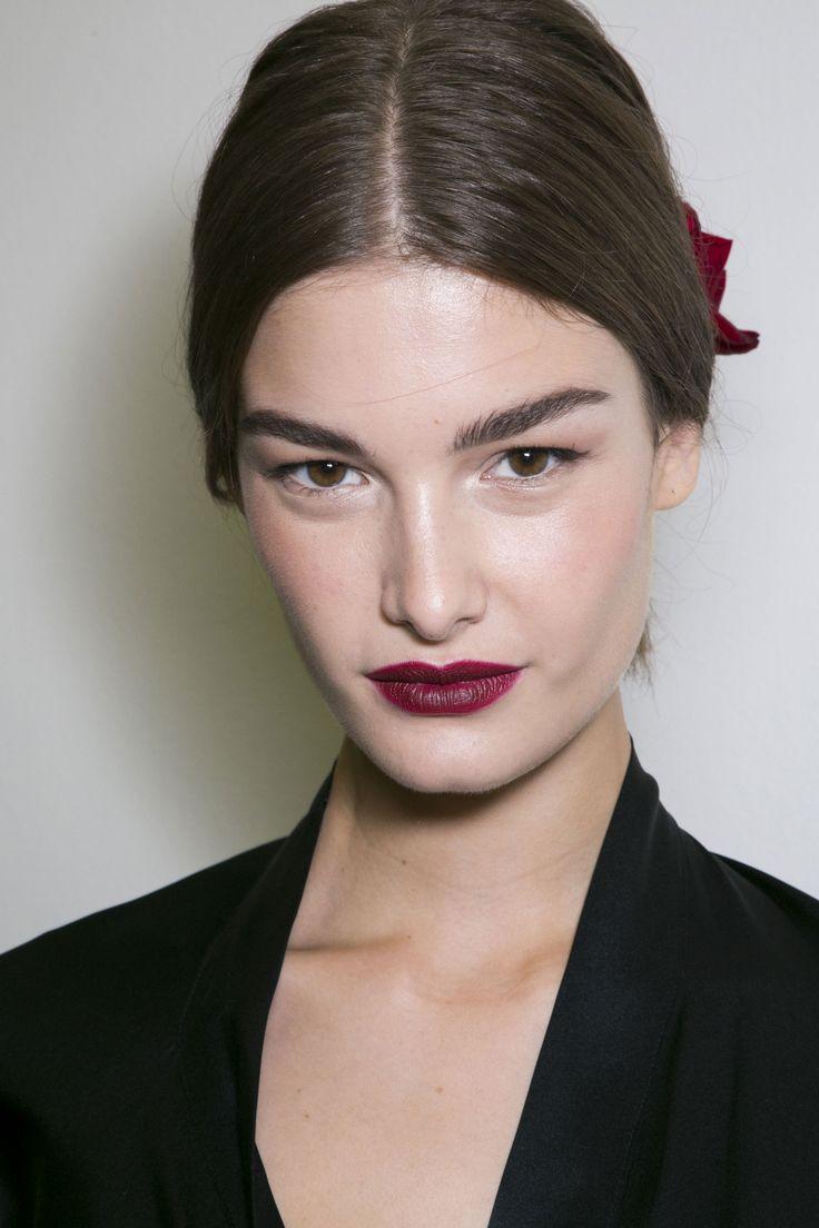 Rouge à lèvres bordeau