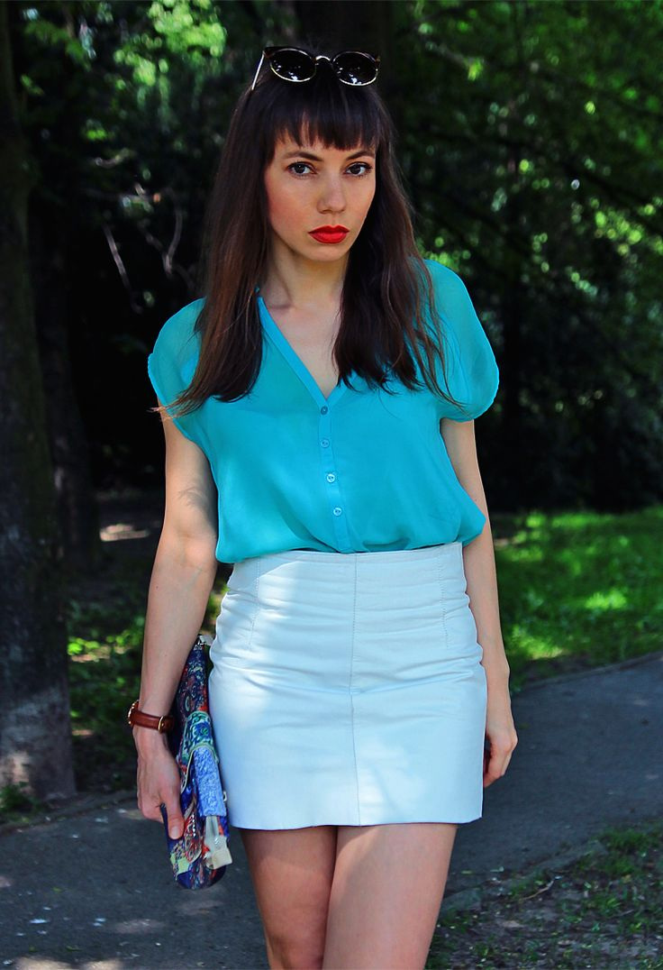 leather white skirt and mint top: http://jointyicroissanty.blogspot.com/2017/06/mint-and-white.html