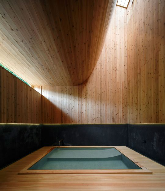 Kubo Tsushima Architects - Bath house at the Maruhon inn, Gunma 2015. Photos © Koji Fujii.