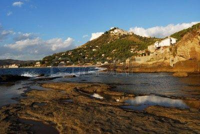 San Marco di Castellabate -  spiaggia, blu, sereno, nuvole, paese, giorno, erosione, collina, orizzonte, italia, montagne, naturale, natura, rocce, mare, cielo, onde