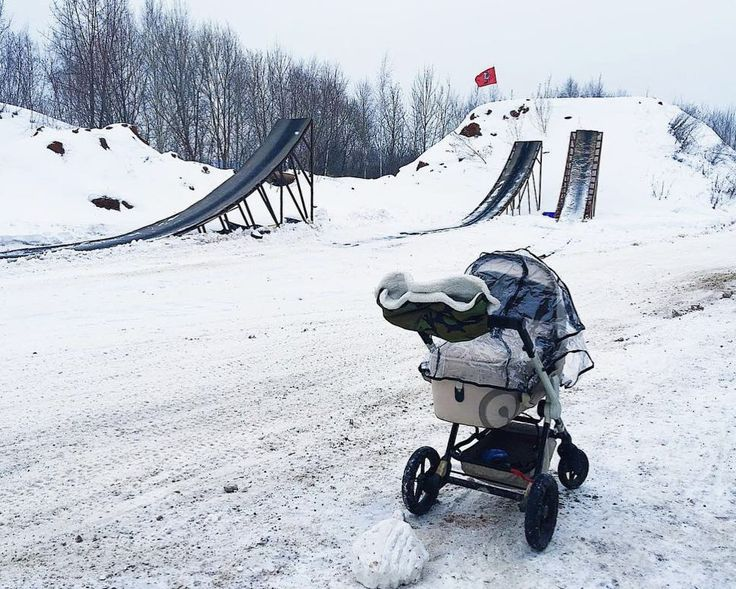 #concordwanderer rear wheel suspension absorbs vibrations and smooth out bumps.  #stroller #pushchair #kinderwagen #snow #offroad #baby #babyproducts #cochecito #cochebebe #bebe #poussette #passeggino #concord #winter #repost @lenochekm