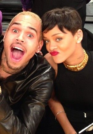Rihanna And Chris Brown Rihanna. RiRi #Rihanna, #Riri, #pinsland, https://apps.facebook.com/yangutu