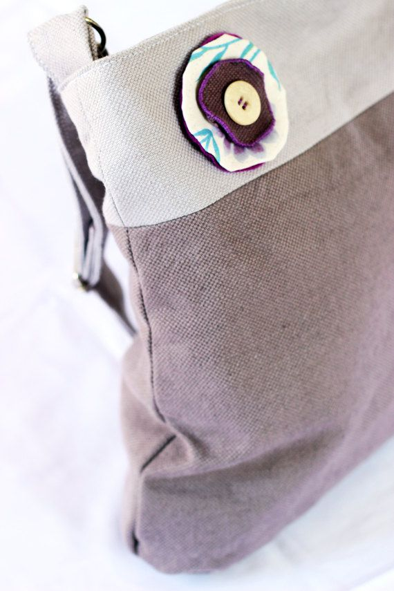 Borsa fatta a mano in cotone pesante (viola chiaro e scuro) - Handmade bag in heavy cotton fabric (light/dark violet)