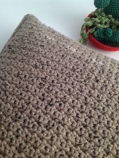 Kussen_tweed_voorkant_grit_stitch