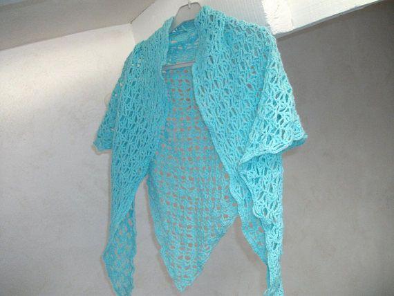 Châle dentelle au crochet bleu lagon en laine et  acrylique